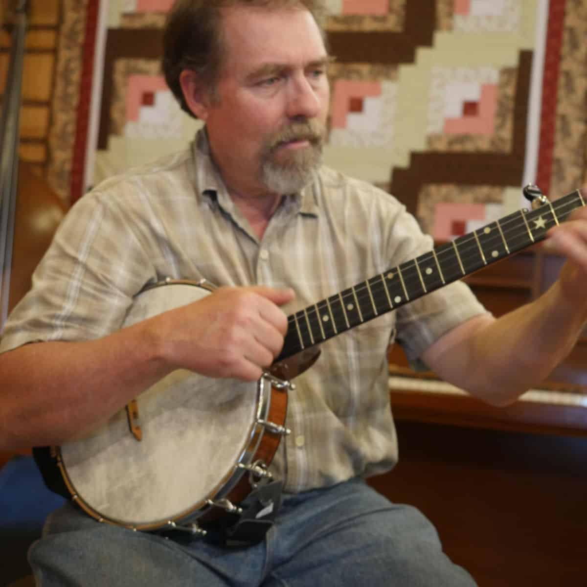 Mac Traynham with Banjo