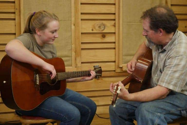 Mac Traynham Old-Time Rhythm Guitar Lesson